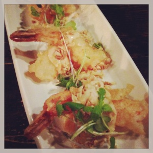 Shrimp tempura with spicy mayo